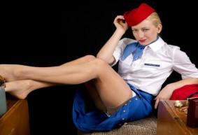 Le fantasme de l'hôtesse de l'air : genèse d'une invitation au voyage